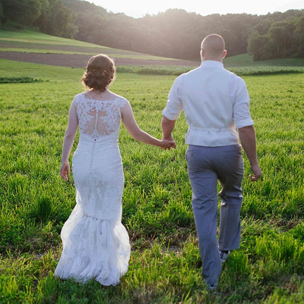 Justin Trails provides the best location for your Wisconsin Barn Wedding